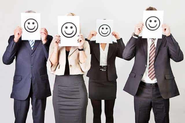 Sjellja në punë (imazhi i 4 personave)